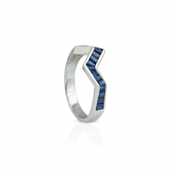 Kavant and Sharart Origami 18k White Gold and Blue Sapphire Ring